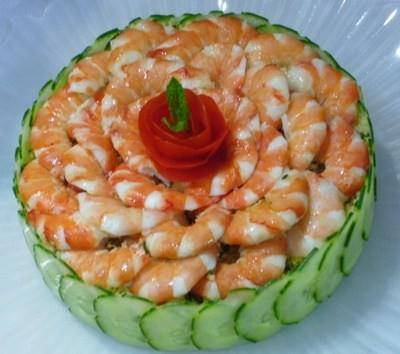 Machen Sie diese entzückenden Mini-Salat-Kuchen für Ihr nächstes Potluck!