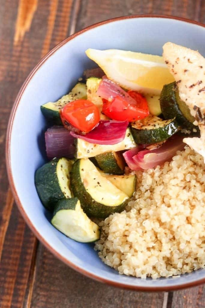Blatt-Pan Honig Chili Huhn mit Gemüse