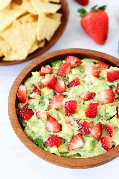 Erdbeeren Guacamole Bites